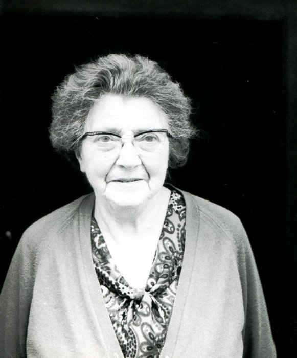 Mrs. Ivy Pratt, née Brazill, in 1970 – owner of Cromwell House in the High Street