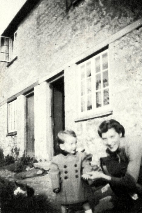 Elsie Wright with son Malcolm