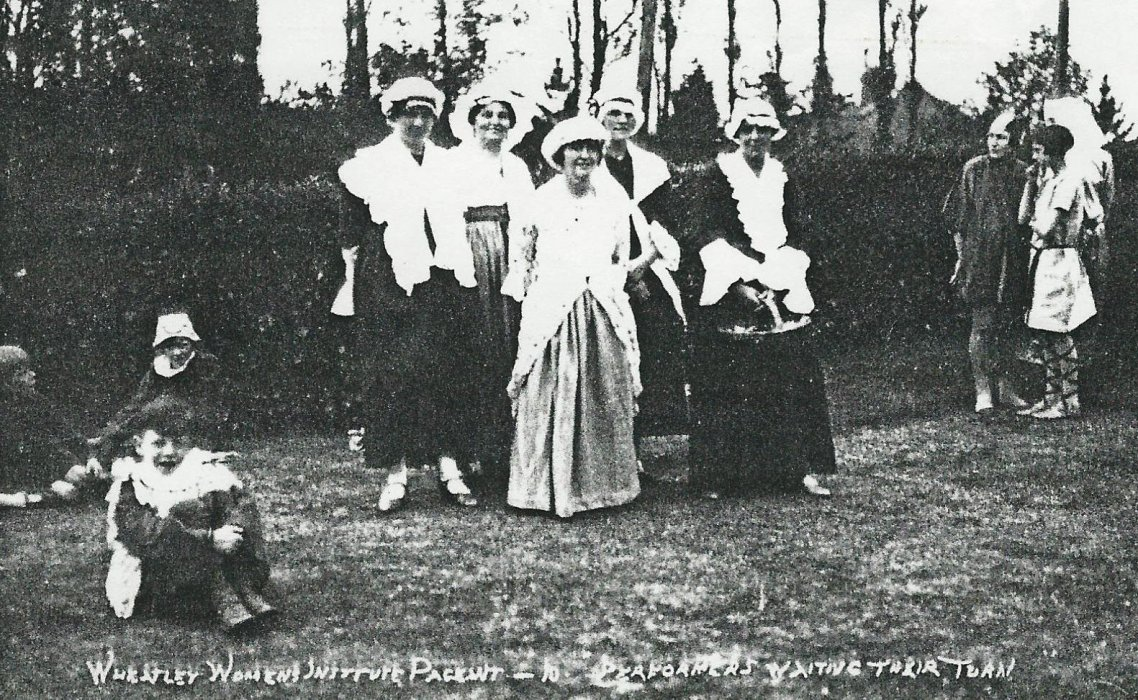 From left: Mrs G Surman, Mrs Cripps, ?, Mrs Shorter, Mrs Doris Harris