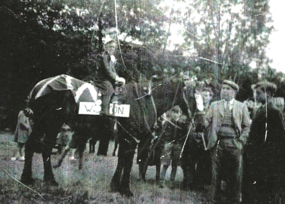 Jack Hanks and his son Norman & Winston the horse