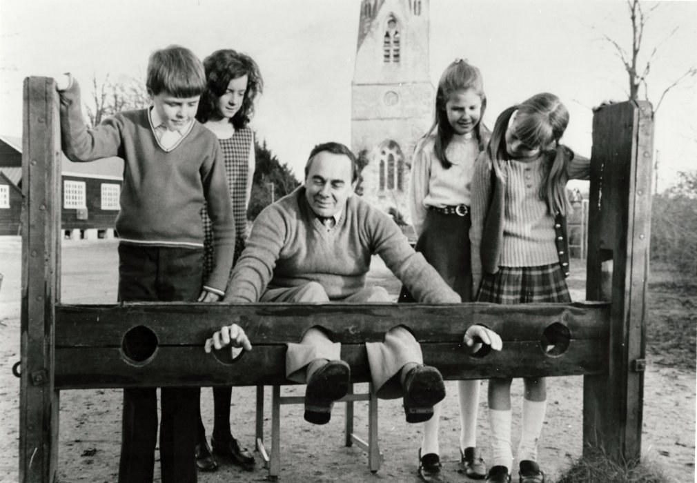 Peter Audley Miller in the stocks!