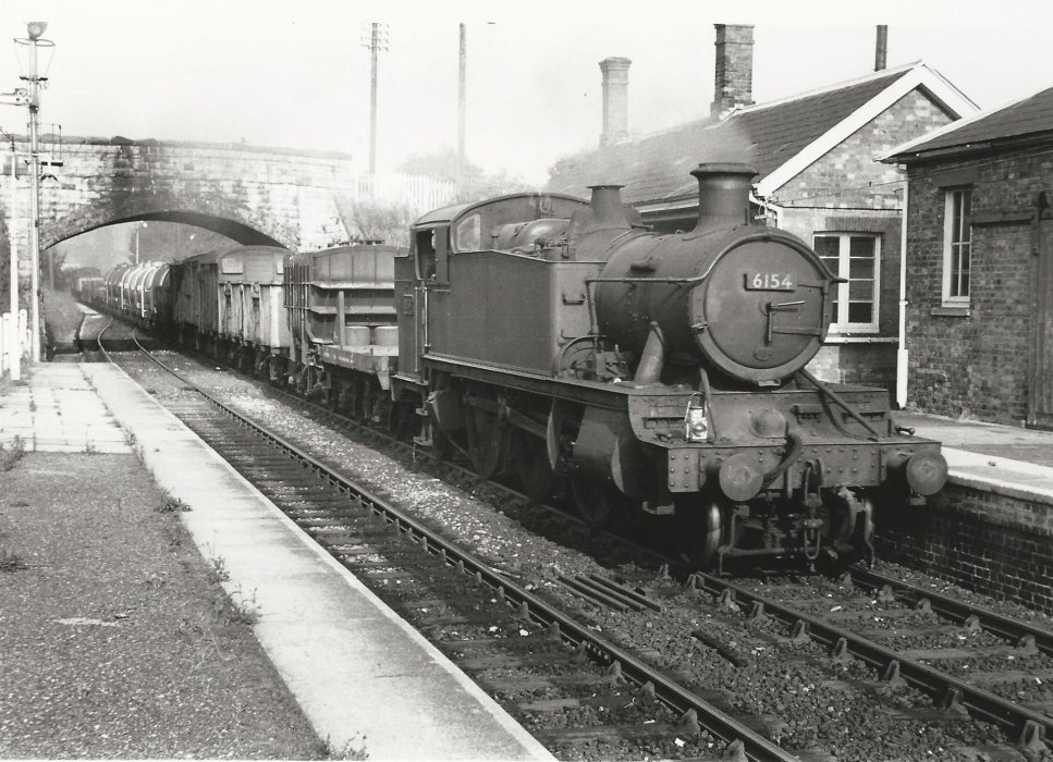 Locomotive 6154 with goods train at Wheatley Station