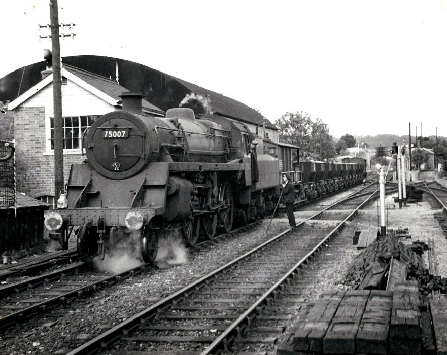 Locomotive 75007 with goods train at Wheatley Station
