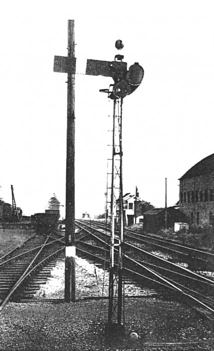 The up inner home signal at Wheatley