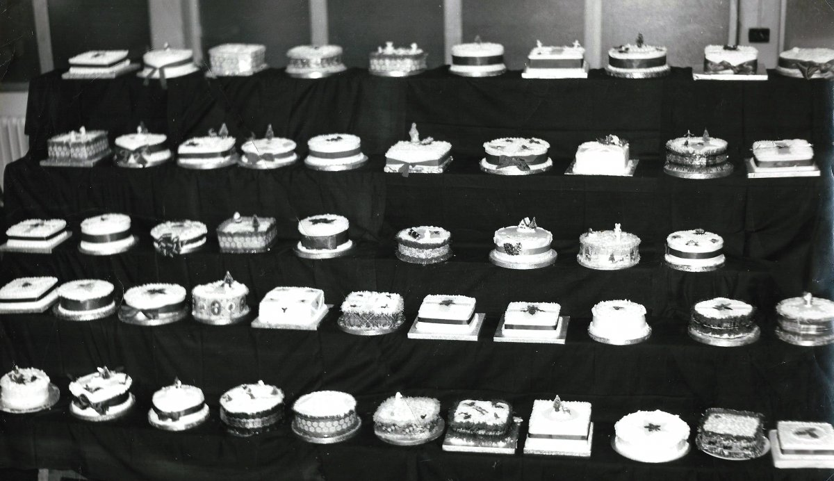 Christmas cakes at the Secondary School, 1967