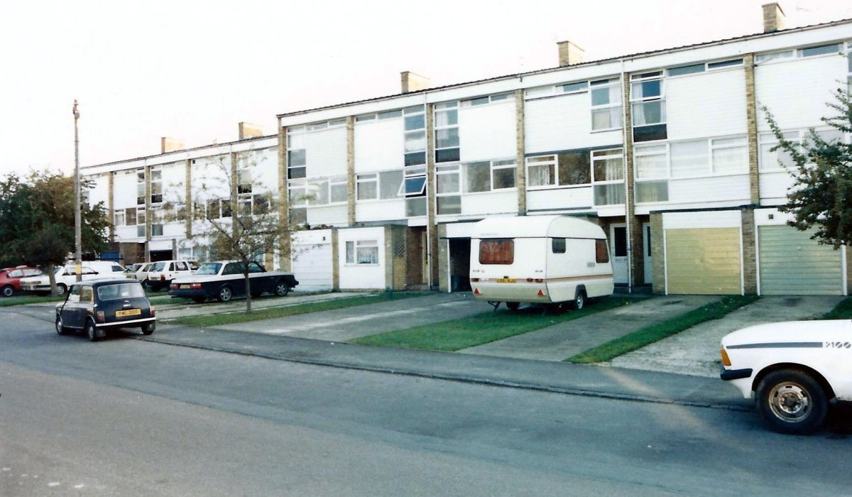 Farm Close Road flats in 1987