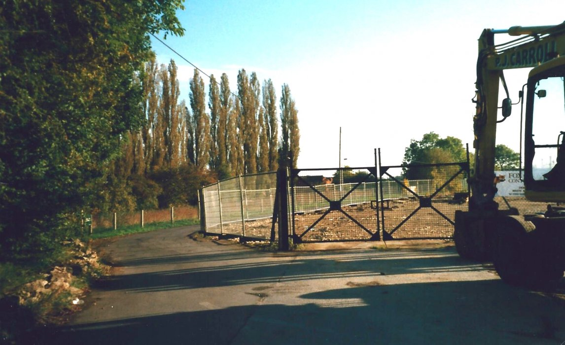 1998, photo of the ex industrial site, now Coopers Close