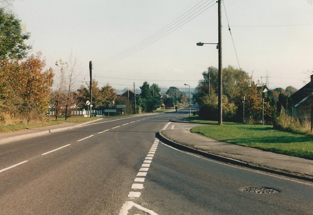 1987, view along London Road from Kings Arms junction