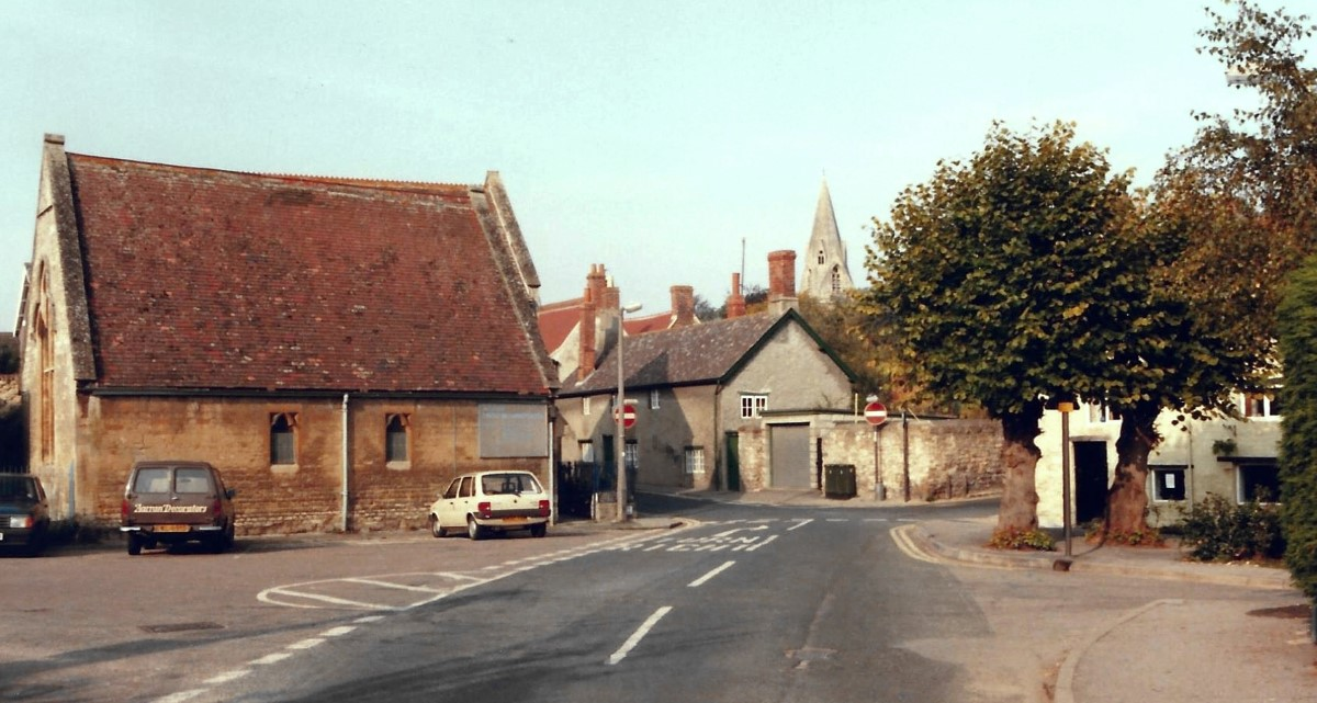 1986. URC and High Street