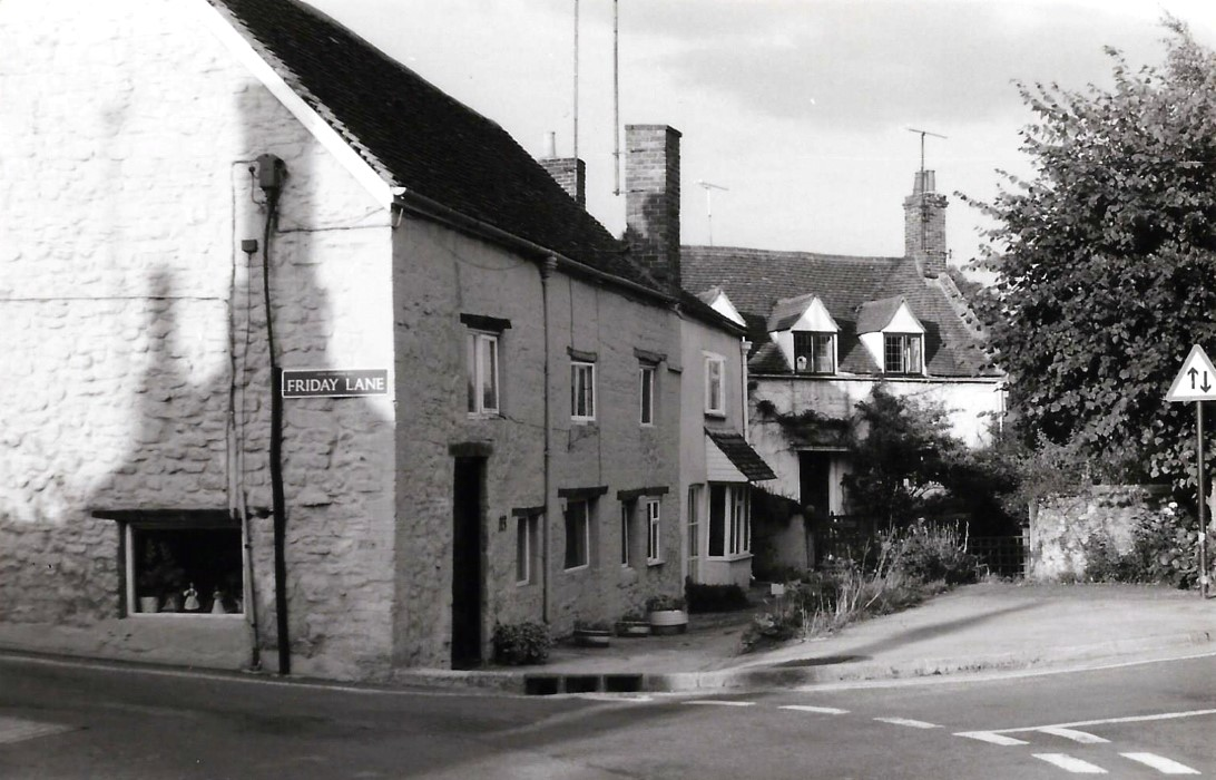 Old Chequers (113-115 High Street) and College Farm (117 High Street)