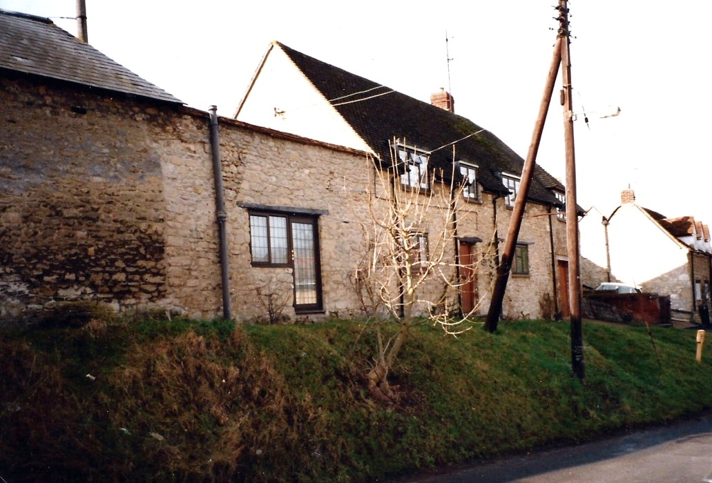 1990s. Mulberry Cottage, 14 Crown Road showing cottage renovated and extension above garage, but before roof was extended at the east end