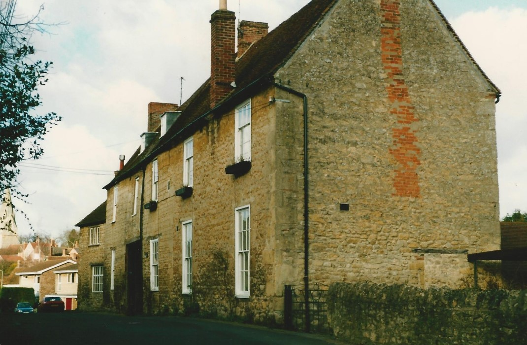 The old Crown Inn in 1989