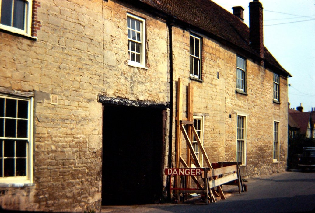 The old Crown Inn in 1972