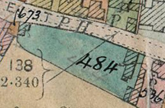 1910 map showing the large garden (484 on map extract) which became the site for these shops