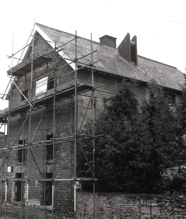 1976. Robert's House, believed to have been the original three-storey tannery