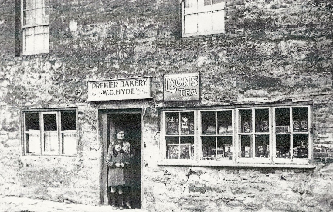 Early 1900s when Hyde had a bakery shop here