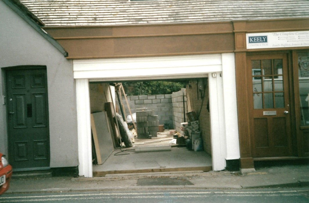 2006. Construction of the garage extension for 48 High Street