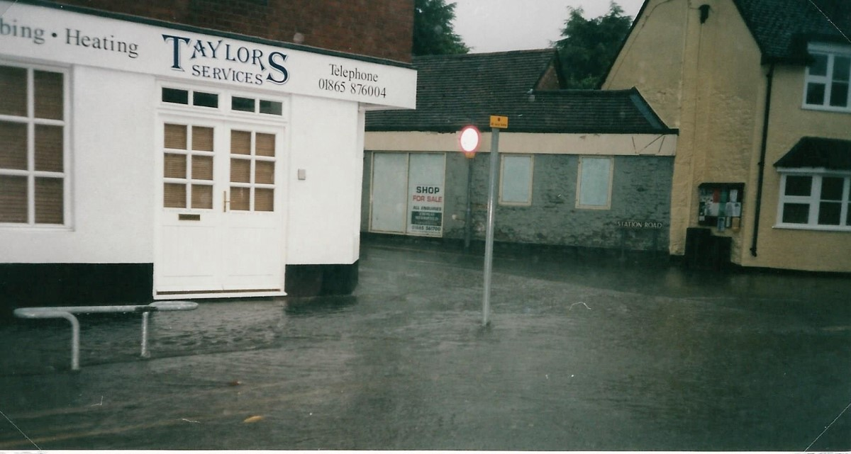 Taken after 2002 when Taylors had taken the Samuels butcher shop.