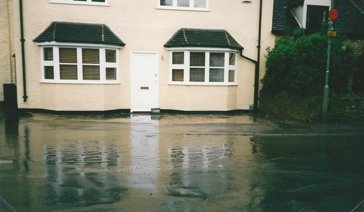 The flood in the High Street 31 July 2002