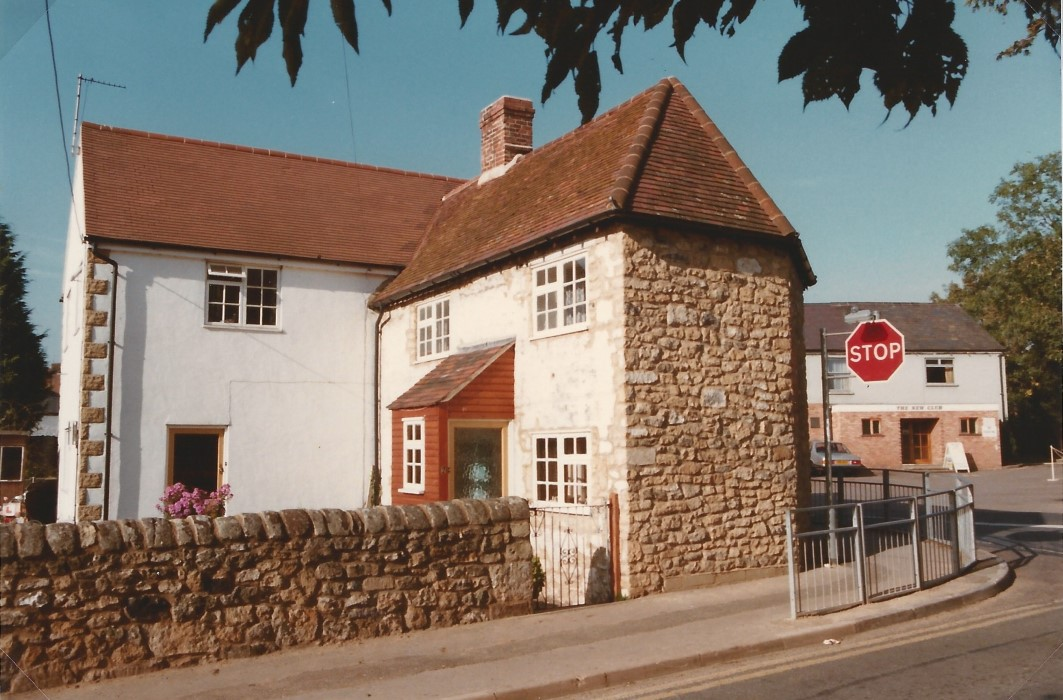1985 Barton Cottage