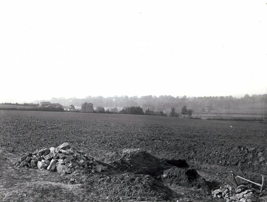 Looking towards Wheatley and Holtom. Grave 32 is bottom right. Bullsdown Barns are to the left
