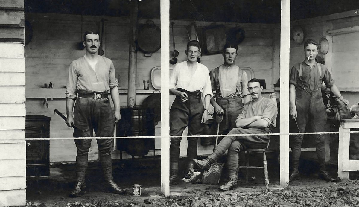 Group of soldiers. Maurice Crick or Walter Crick seated in the foreground