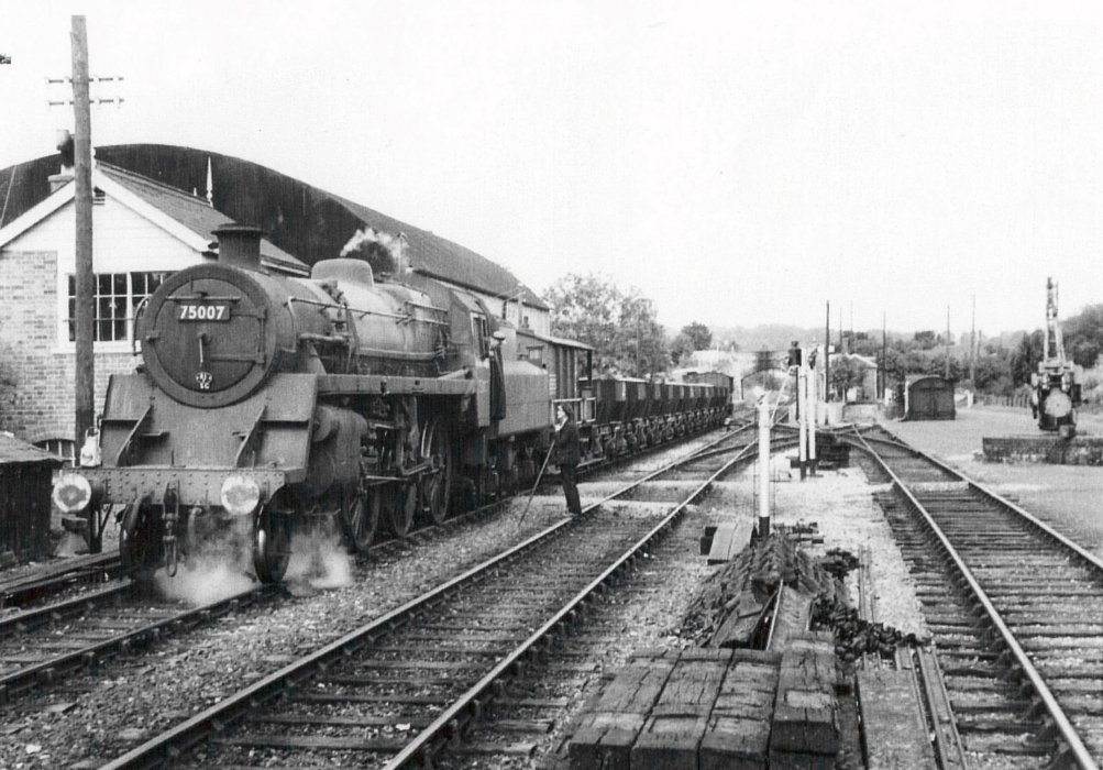 Looking towards Oxford, showing Goods yard, August 1962
