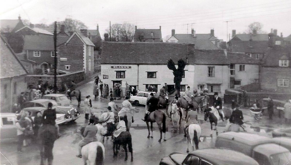 Meet of South Oxfordshire Hunt 1965