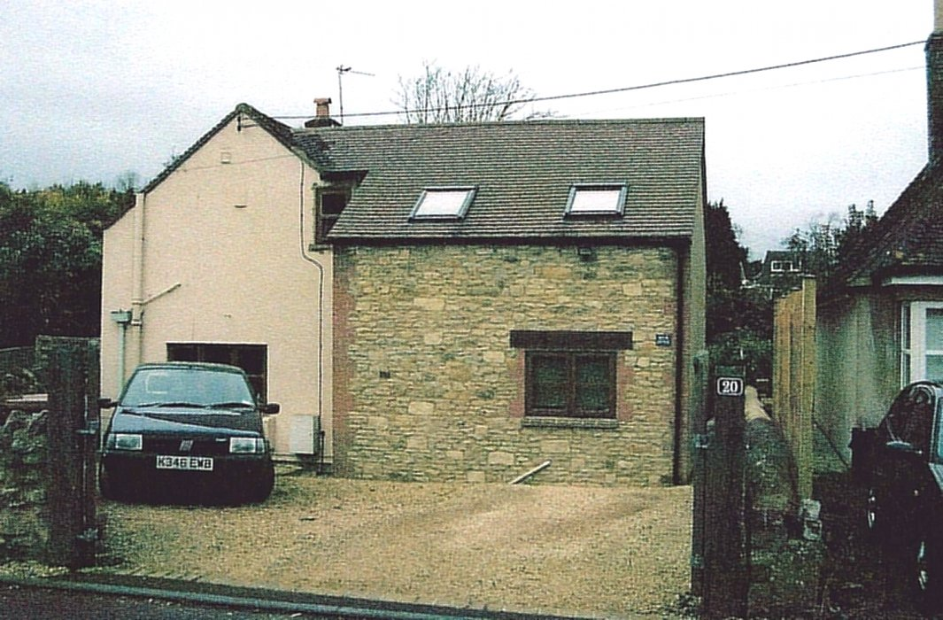 2009. Brook Cottage, No 20 Littleworth