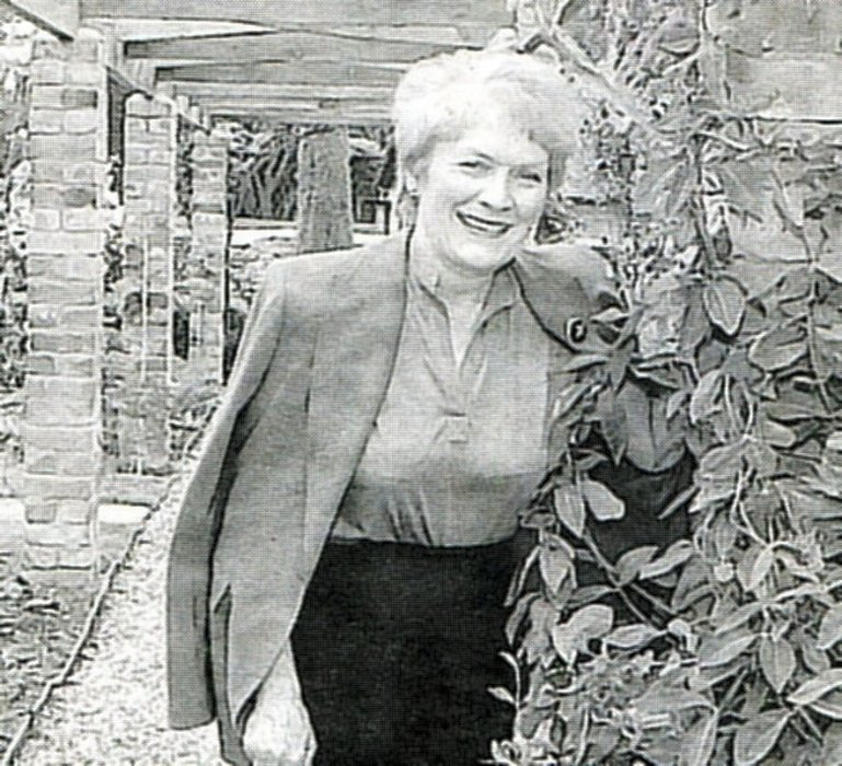Sue MacGregor in new herb garden at the Manor House in 2003