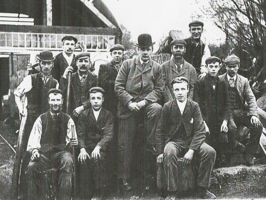 1903. William Avery and his family and workers