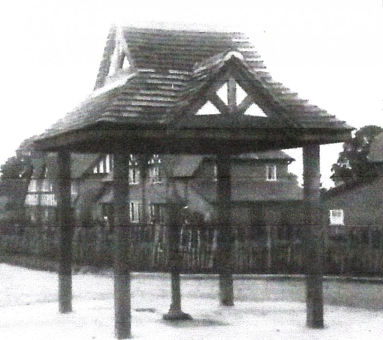 The pump along the Avenue, early photo