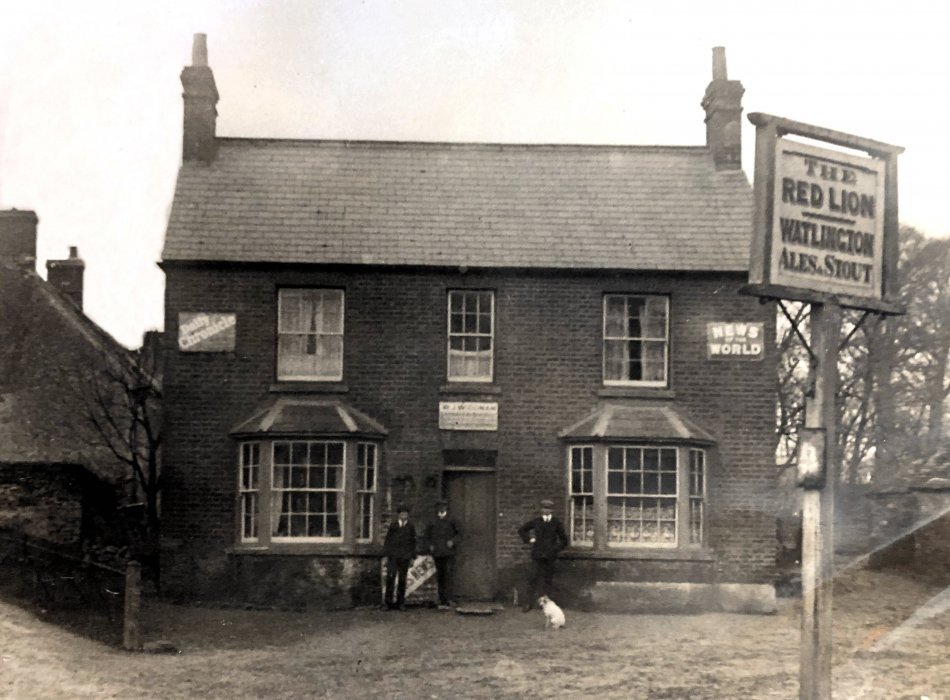 The Red Lion on the site of what is now the New Club