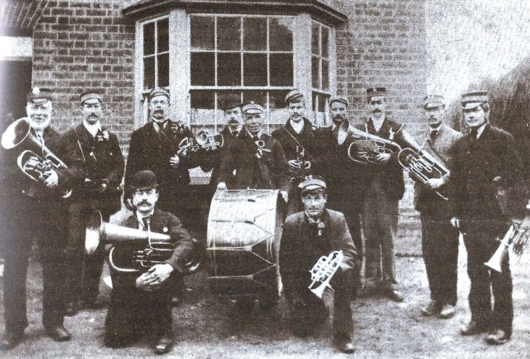 Wheatley Brass band outside the Red Lion in 1910