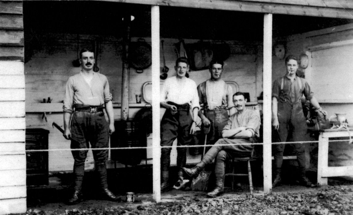 Maurice Crick and men from his unit: (Crick collection, Wheatley Village Archive)